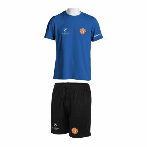 Trening Komplet Manchester United je oprema za trening koji se sastoji od majice i šorca sa štampom grbova.