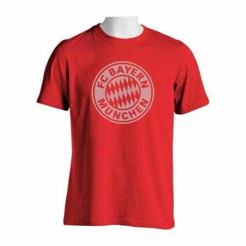 Bayern Munchen Majica Crvene Boje Sa Printom Velikog Grba U Crtama